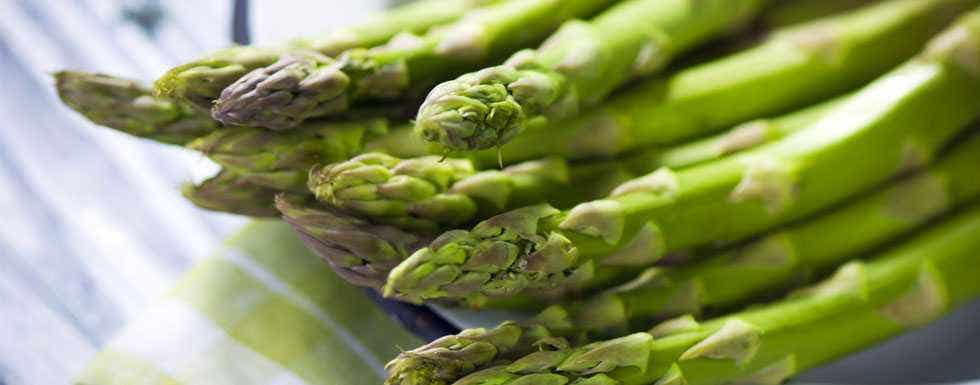 Spring Asparagus And Chickpea Salad Recipe Live Superfoods