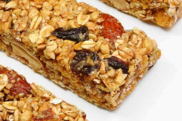 snack bars with goji berries and raw cacao